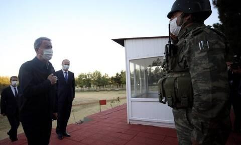 Τουρκικά ΜΜΕ: Στα ελληνοτουρκικά σύνορα ο Ακάρ - Επιθεώρησε τα στρατεύματα