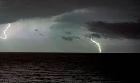 Έκτακτο δελτίο επιδείνωσης καιρού: Έρχονται καταιγίδες, χαλάζι και θυελλώδεις άνεμοι