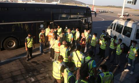 Group of 90 asylum seekers with sick children depart for Germany