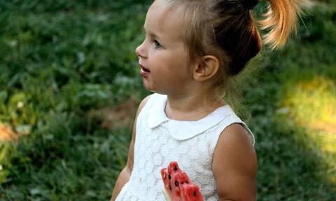Ποια καλοκαιρινά φρούτα δίνουν ενέργεια στα παιδιά