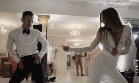 Νύφη και γαμπρός ξεσαλώνουν όσο δεν φαντάζεστε! (video)