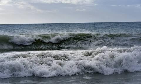 Μοιραίο μπάνιο για ηλικιωμένο σε παραλία της Κορινθίας