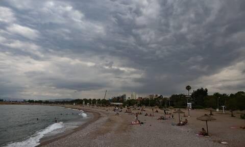 Έκτακτο δελτίο ΕΜΥ: Υποχωρεί η θερμοκρασία - Πού και πότε θα σημειωθούν καταιγίδες