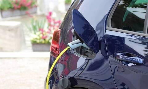 Ηλεκτρικά οχήματα: Τα δέκα βήματα για την επιδότηση αγοράς