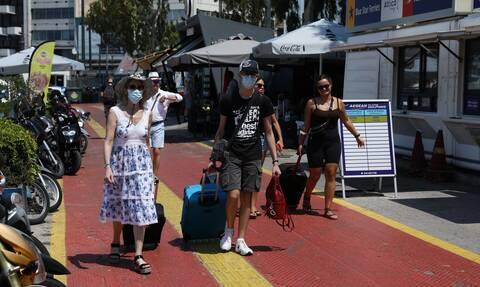 Κορονοϊός - Ακτοπλοΐα: Πόσο αυξήθηκε το όριο του επιτρεπόμενου αριθμού επιβατών