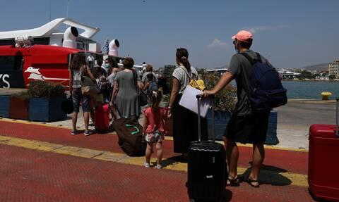 Αποκαταστάθηκε η βλάβη στο πλοίο για Σύρο μετά την εξέγερση των επιβατών