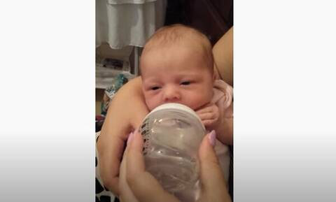 Δείτε την αντίδραση του μωρού όταν δοκιμάζει για πρώτη φορά νερό