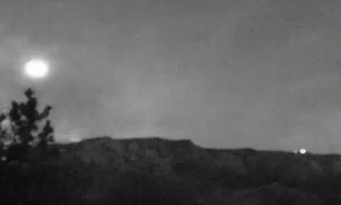 Viral: Είναι αυτό διαστημόπλοιο; - Το video που έχει «ρίξει» το διαδίκτυο
