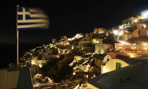 Σαρωτικοί οι έλεγχοι στα νησιά: Συλλήψεις και πρόστιμα σε Πάρο, Μύκονο και Σαντορίνη