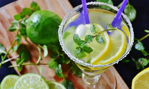 Πέντε συνταγές για δροσερή σπιτική λεμονάδα