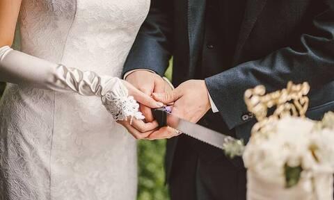 Γάμος στα κρυφά! Παντρεύτηκε την κατά 31 χρόνια μικρότερη σύντροφό του!