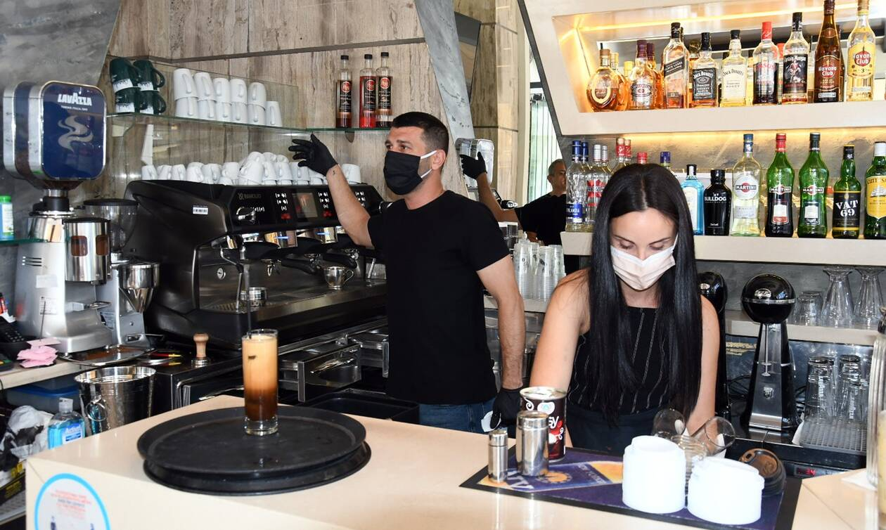 Κορονοϊός: Τι αλλάζει από σήμερα σε καφέ, μπαρ, εστιατόρια - Νέα μέτρα για γάμους, βαφτίσεις