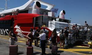 Φεύγουν οι αδειούχοι του Αυγούστου: Χαμός σε Πειραιά και Ραφήνα - Αυξημένη κίνηση στις Εθνικές Οδούς