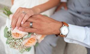 Κορονοϊός: Συναγερμός στον ΕΟΔΥ - Κρούσμα και σε τρίτο γάμο
