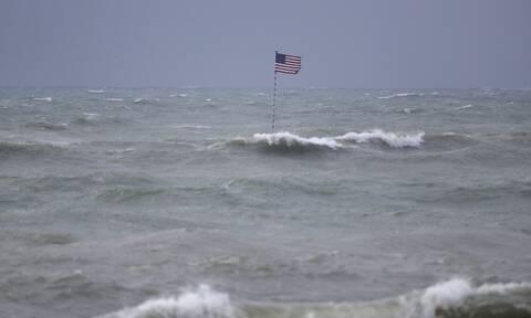 Η τροπική καταιγίδα «Ησαΐας» έφτασε στη Βόρεια Καρολίνα (Live εικόνα)