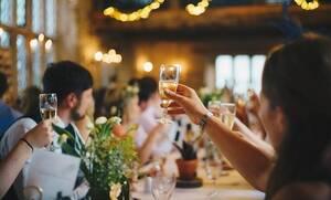 Κορονοϊός – Γάμοι και βαπτίσεις: Τι μπορούν να κάνουν όσοι μείωσαν καλεσμένους