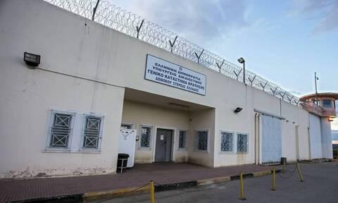 Φυλακές Δομοκού: Μαχαίρια, σουβλιά, ψυγεία ακόμη και ...ηχοσύστημα στα κελιά!