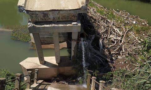 Συναγερμός στις Σέρρες: Κατέρρευσε τμήμα γέφυρας - Δείτε εικόνες