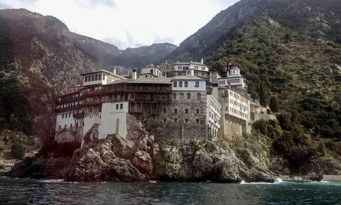 Κορονοϊός: Νέα μέτρα από την Ιερά Κοινότητα Αγίου Όρους