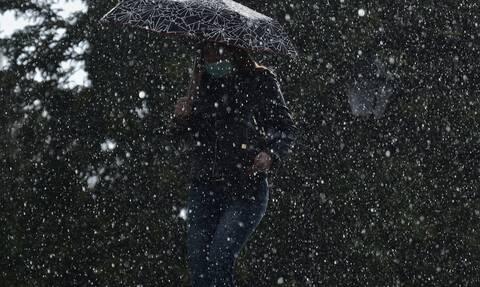 Καιρός: Η «Θάλεια» «μαστιγώνει» την Κοζάνη - Καταιγίδα και χαλάζι