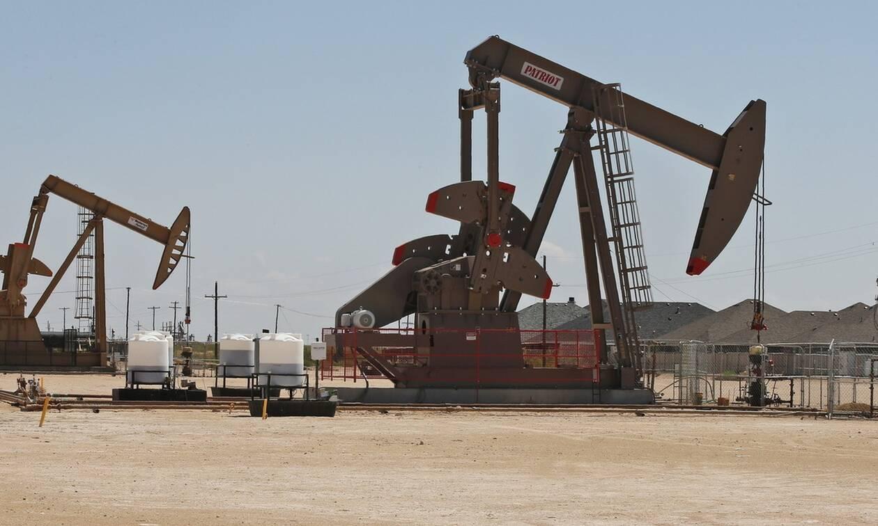 Ανοδος στη Wall Street - Σε υψηλό 5μήνου έκλεισε το πετρέλαιο
