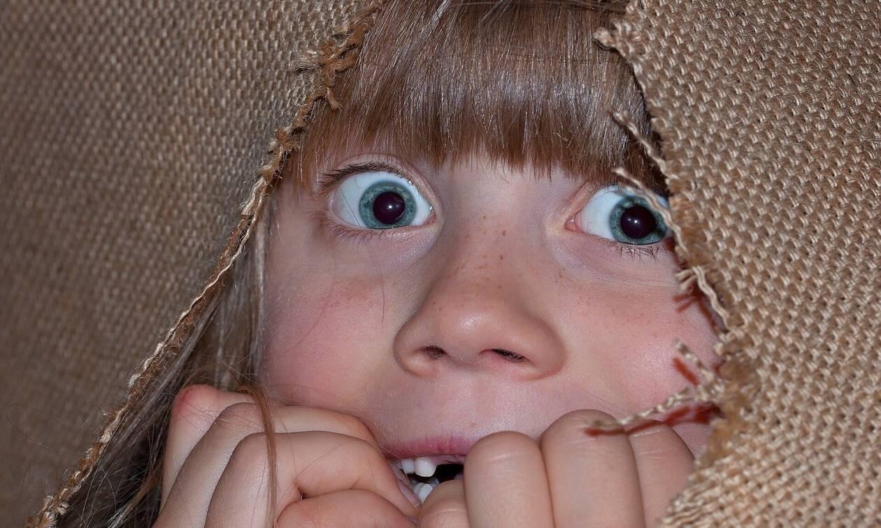 Πώς να βοηθήσετε το παιδί σας να ξεπεράσει τις φοβίες του
