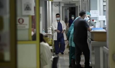 Κορονοϊός - Γώγος: Βρισκόμαστε σε μια ισχυρή έκρηξη της πανδημίας