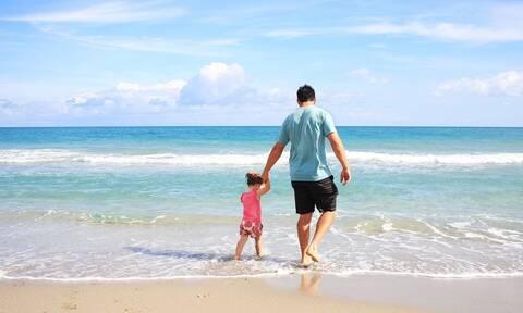 Πρώτες διακοπές με το μωρό: Τι πρέπει να γνωρίζετε