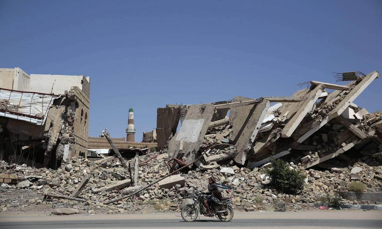 Υεμένη: Τουλάχιστον 20 άνθρωποι σκοτώθηκαν σε αεροπορική επιδρομή