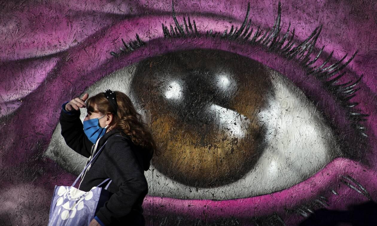 Κορονοϊός: Η μάσκα είναι «εργαλείο» προστασίας - Συμβουλές για τον σωστό τρόπο χρήσης της