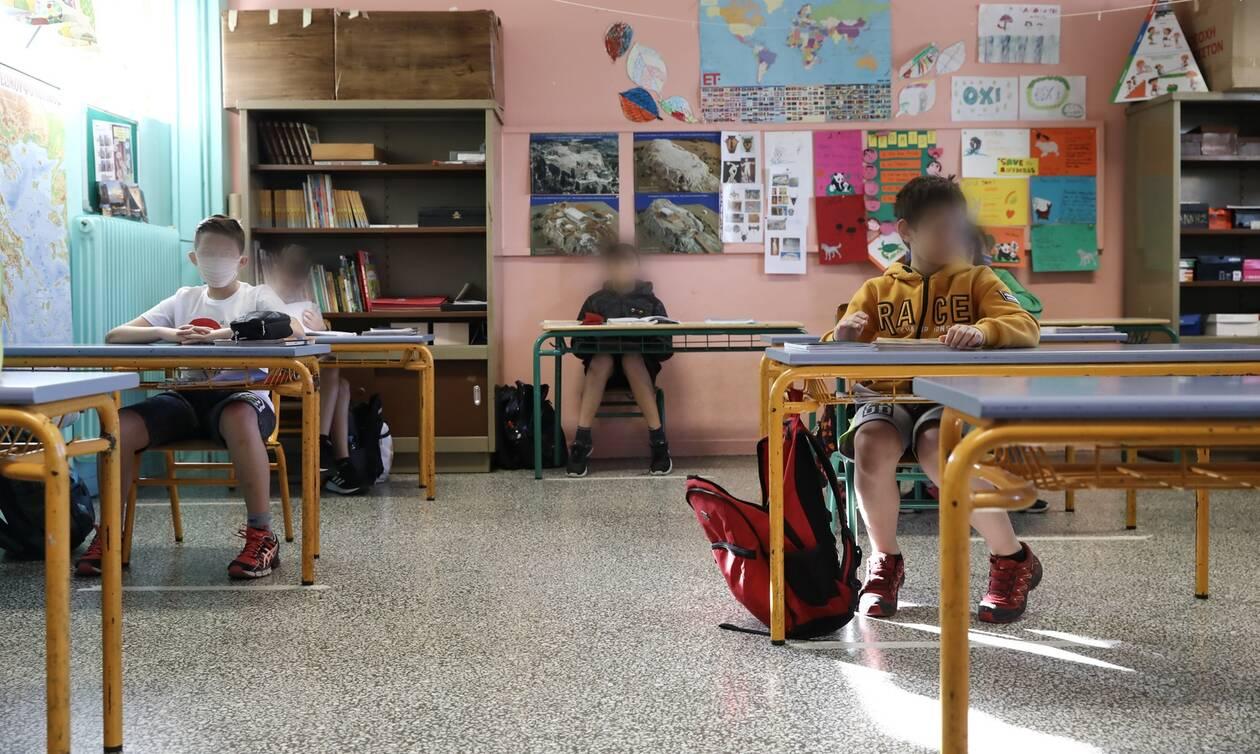 Σχολεία: Υπεγράφη η ΚΥΑ Θεοδωρικάκου-Σταϊκούρα για την πρόσληψη προσωπικού καθαριότητας
