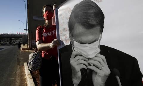 Κορονοϊός: Όλα όσα πρέπει να ξέρουμε για την μάσκα - Πώς θα την φορέσουμε σωστά