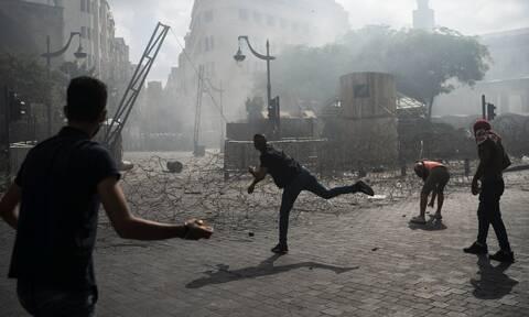 Βηρυτός: Βίαια επεισόδια και οργή – Διαδηλωτές εισέβαλαν στο υπ. Εξωτερικών – Σοκαριστικές εικόνες