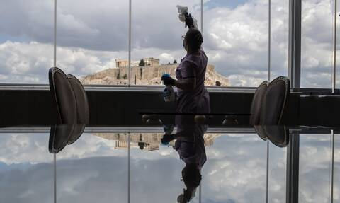 Κορονοϊός: Επιχείρηση «αναχαίτιση» για να μην χαθεί η μάχη – Τα νέα σκληρά μέτρα που έρχονται