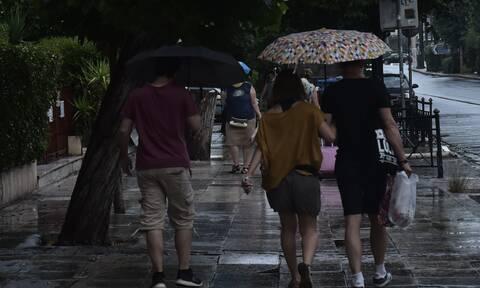 Κακοκαιρία «Θάλεια»: Συνεχίζεται το βροχερό σκηνικό την Κυριακή - Πού θα κυμανθεί η θερμοκρασία