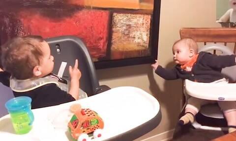 Τι συμβαίνει όταν παίζουν τα αδέλφια μεταξύ τους; Δείτε το βίντεο