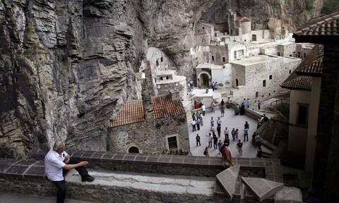 Βανδαλισμοί στην Παναγία Σουμελά: Την αποκατάσταση των αγιογραφιών ζητά ο Χαρακόπουλος (pics)