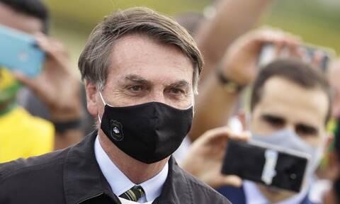 Κορονοϊός - Βραζιλία: Ο Μπολσονάρου κατηγορεί για «ανανδρία» τηλεοπτικό δίκτυο που τον κατέκρινε