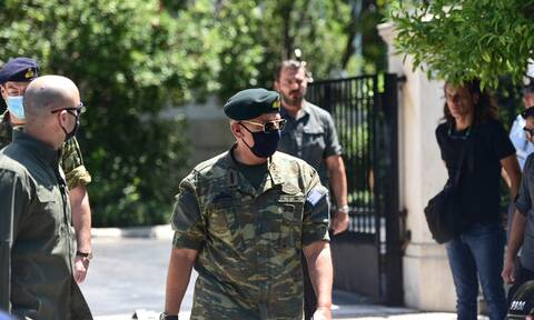 Ελληνοτουρκικά: Το μήνυμα του αρχηγού ΓΕΕΘΑ μετά το ΚΥΣΕΑ - Με στολή παραλλαγής στο Μαξίμου