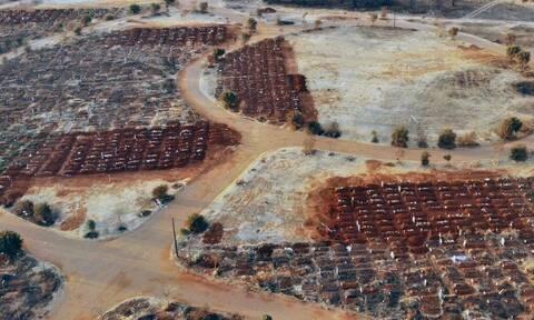 Κορονοϊός: Η Νότια Αφρική γέμισε μαζικούς τάφους - Συγκλονιστικές εικόνες