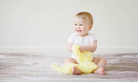 Πώς θα προστατεύσετε το μωρό από τους κινδύνους του καλοκαιριού;