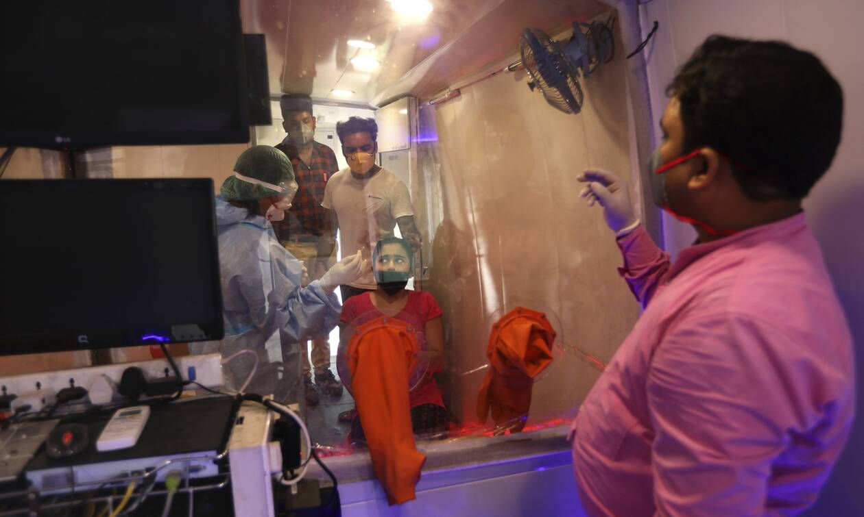 Κορονοϊός: «Μαύρο» ορόσημο - Ξεπέρασαν τα 20 εκατ. κρούσματα σε όλο τον κόσμο