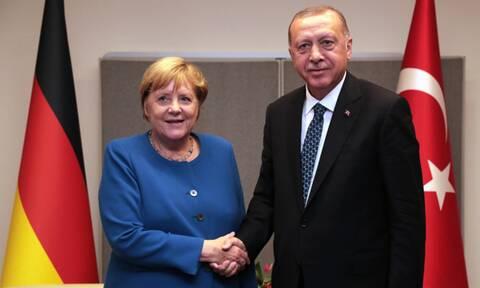 Η «φίλη» μας η Μέρκελ: Μας γονάτισε οικονομικά και τώρα στηρίζει τον Ερντογάν