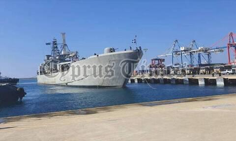 Στο λιμάνι της Λεμεσού το Αρματαγωγό «ΙΚΑΡΙΑ» - Mεταφέρει τρόφιμα στο Λίβανο (pics)