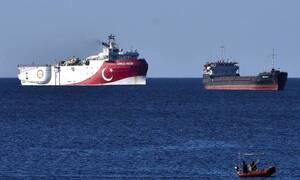 Oruc Reis: Απάντησαν στις ελληνικές φρεγάτες τα τουρκικά πολεμικά