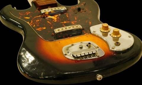 Δημοπρατήθηκε κιθάρα του Χέντριξ πριν γίνει διάσημος