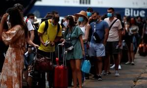 Κορονοϊός: Τρόμος στην Αττική μετά τα 82 κρούσματα - «Βόμβα» η επιστροφή των νέων από τις διακοπές