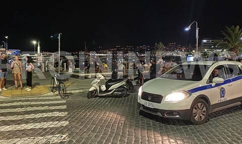 Κορονοϊός στην Ελλάδα: Έκλεισαν τα μαγαζιά, γέμισαν οι πλατείες στην Καβάλα (pics)