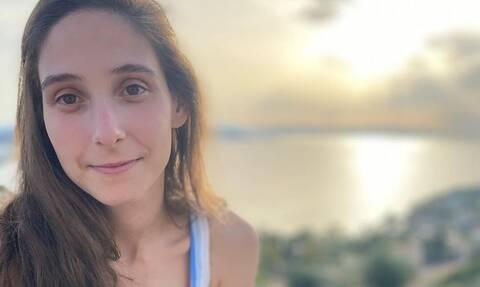 Φωτεινή Αθερίδου: Η τρυφερή αγκαλιά με τον γιο της στην Αίγινα