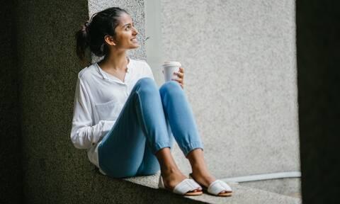 Γιατί οι γυναίκες παχαίνουν όσο πλησιάζουν στην εμμηνόπαυση;